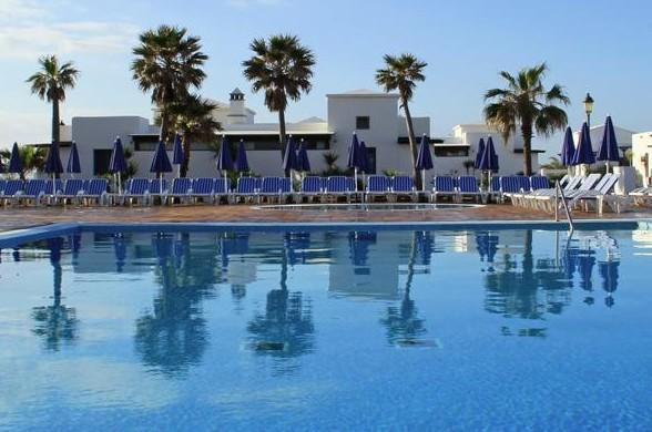 Vik Coral Beach 3* - Photo