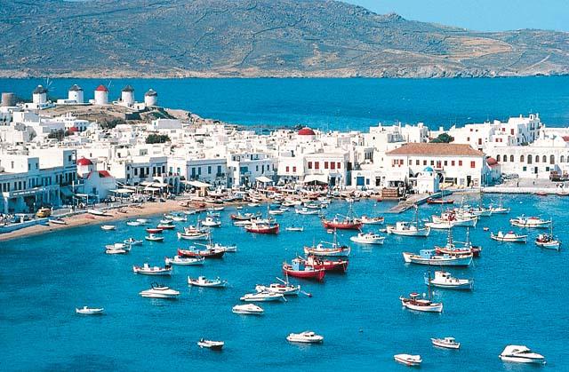 D�couverte des Cyclades depuis Santorin