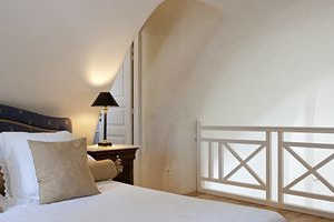 Canaves Oia & Suites