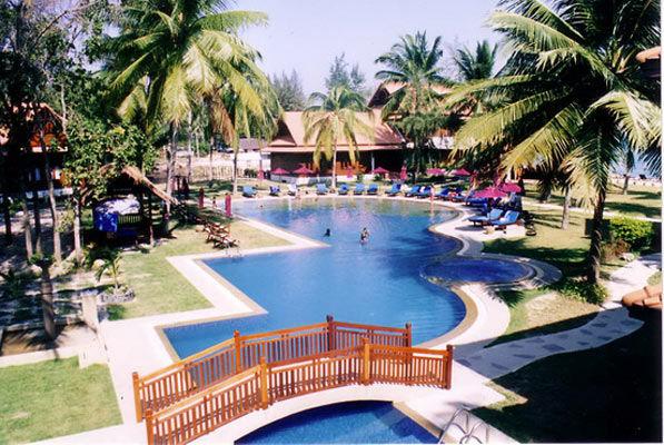 Coral Bansaphan 3*sup, pension compl�te + activit�s Club !