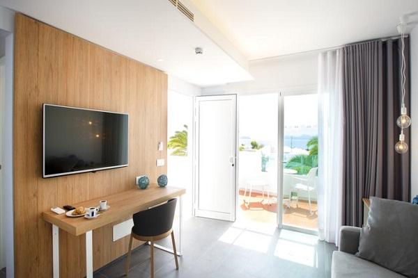 Suite Hôtel Alyssa 4*