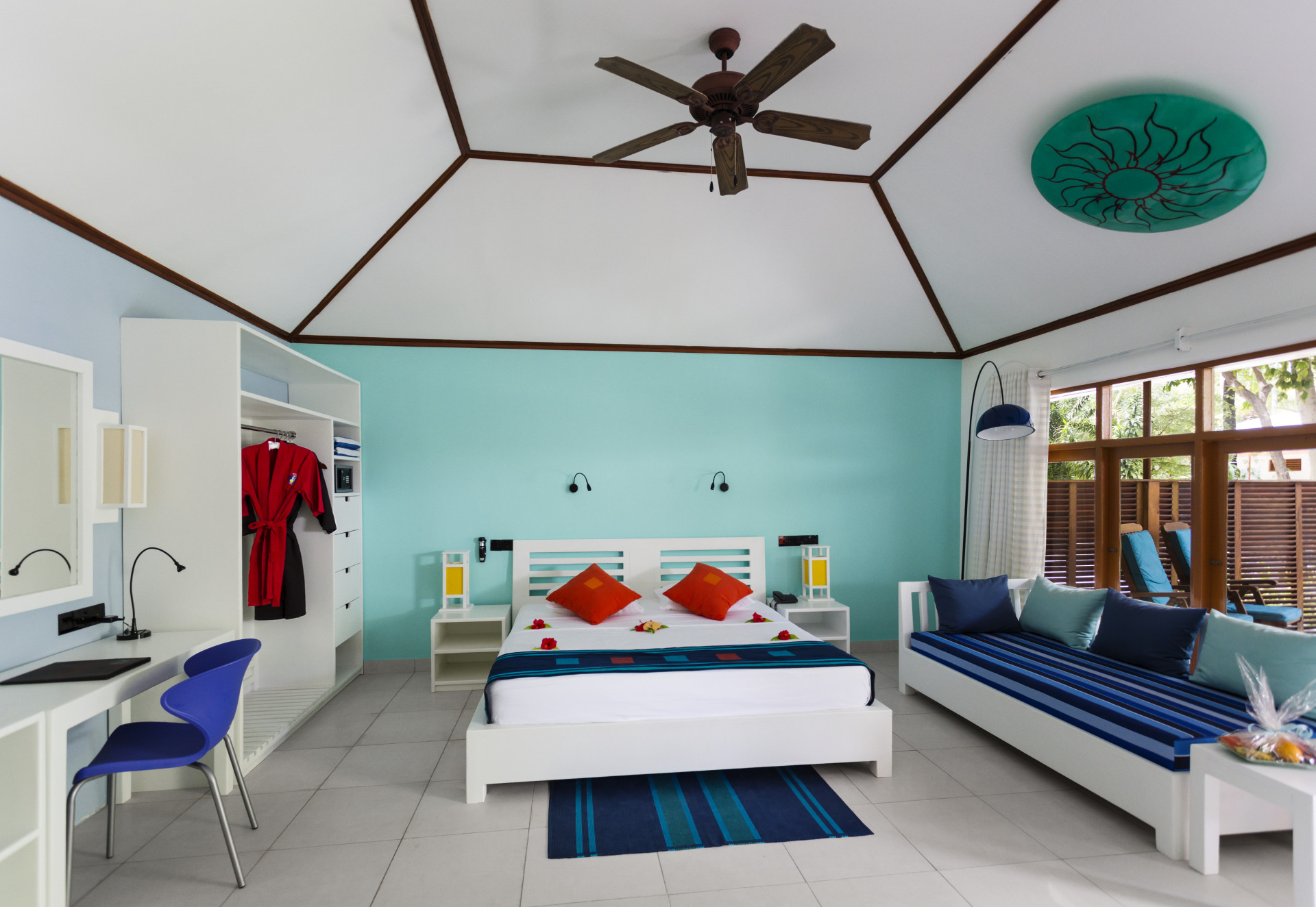 Meeru Island Resort And Spa - Photo